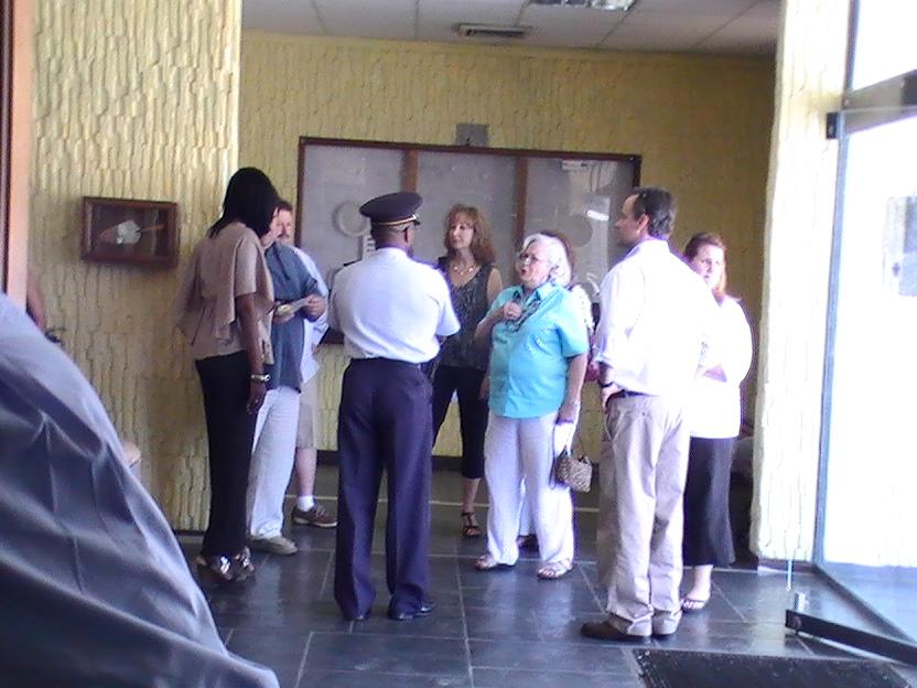 king family thanks sxm police dept photos judith roumou (28)