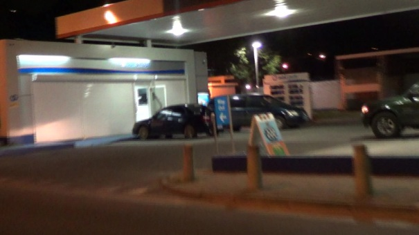 GAS STATION ROBBERY ST PETERS ST MAARTEN PHOTOS JUDITH ROUMOU (38)