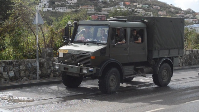PHOTOS JUDITH ROUMOU DUTCH MILITARY ST MAARTEN HURRICANE GONZALO (17)