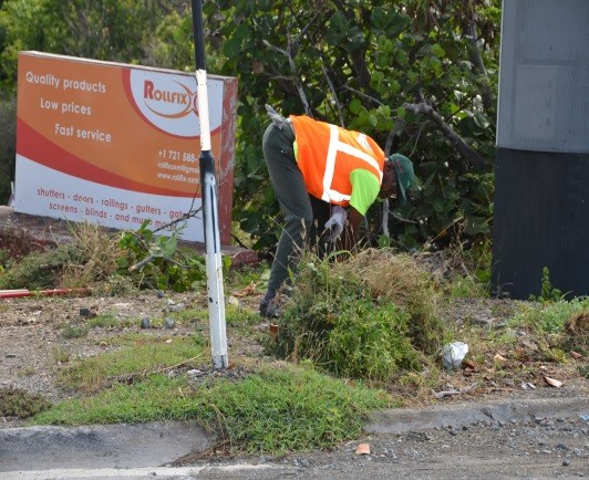 general roadside cleanup cleaning st maarten