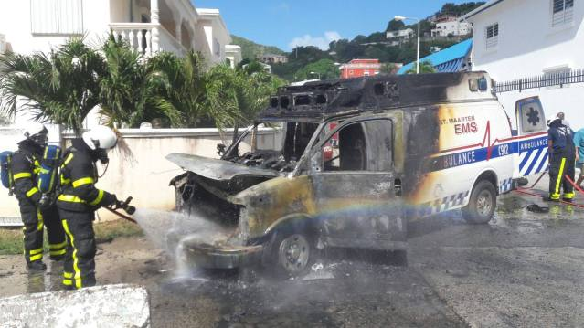 ambulance-on-fire-ebenezer-st-maarten-news-3