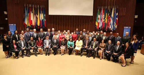 PAHO and WHO management with all Heads of Delegations from the participating member states.