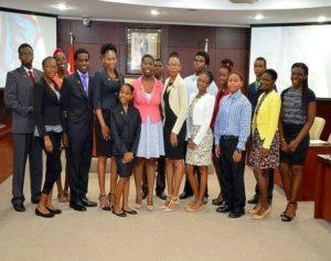 En Sint Maarten el Parlamento Juvenil recluta miembros