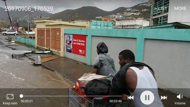 SINT MAARTEN PLAGUED BY LOOTING IN AFTERMATH OF HURRICANE IRMA